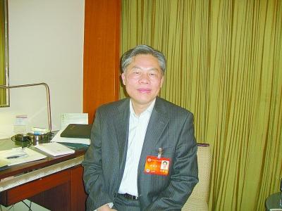黄德宽委员:语言文字关乎国家安全