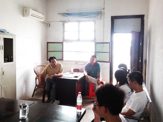 安徽大学学生社会实践团到霍邱开展活动